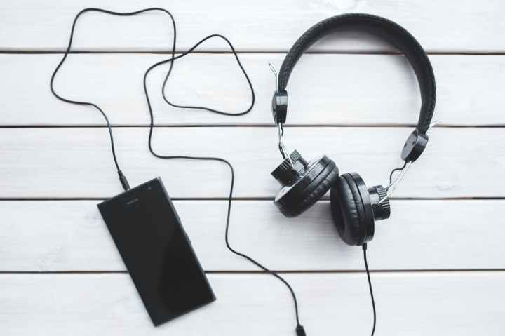 5 Podcasts to Listen to Right Now